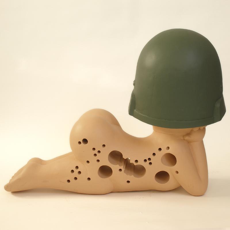 bigeyes with bulletholes sculpture harma heikens