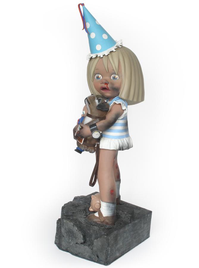 girl loooking back at burning house sculpture harma heikens